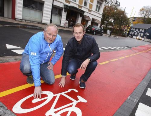 Hesselberg Bygg i Moss leverer knallrøde sykkelstier i hele landet